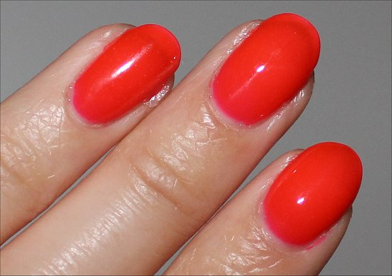 Essie Poppy Razzi Collection Camera Review & Swatch