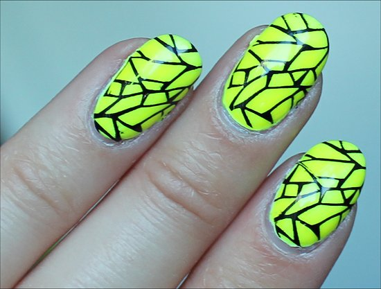 Yellow & Black Nails Nail Art Pictures