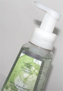 Bath & Body Works Cucumber Melon Anti-Bacterial Gentle Foaming Hand Soap Review & Pictures
