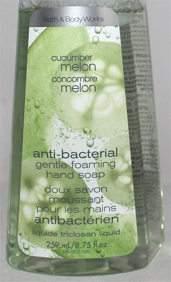 Bath-Body-Works-Cucumber-Melon-Anti-Bacterial-Gentle-Foaming-Hand-Soap-Review-Pictures