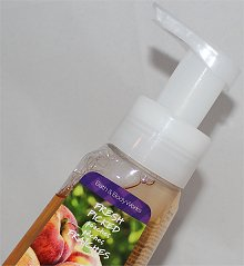 Bath &amp; Body Works Fresh Picked Peaches Anti-Bacterial Gentle Foaming Hand Soap Review