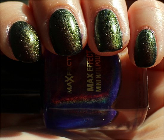 Fantasy Fire Max Factor Nailpolish