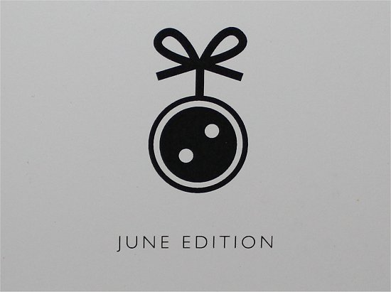 LooseButton-June-2012-LuxeBox-Review-Pictures