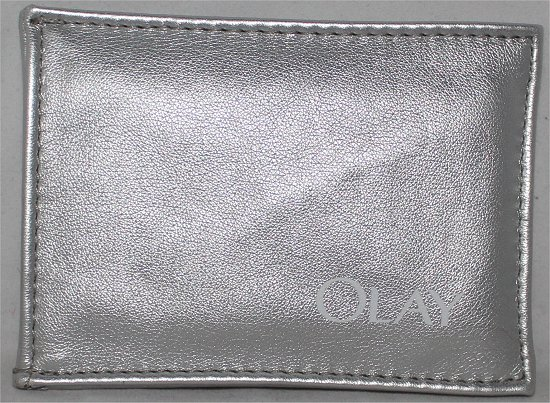 Olay Pouch LooseButton LuxeBox June Review & Pics