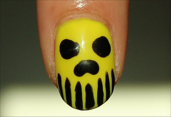 Neon-Skull-Manicure