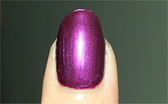 OPI Suzi & the 7 Dusseldorfs Review & Pictures