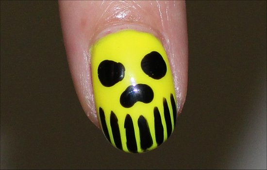 Skull-Manicure-Neon-Nail-Art-Nails
