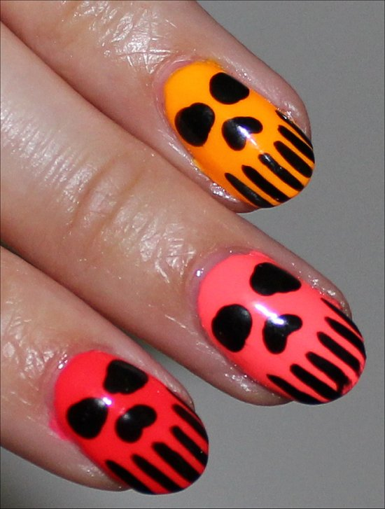 Skull-Nails-Nail-Art-Neon-Manicure-Pics