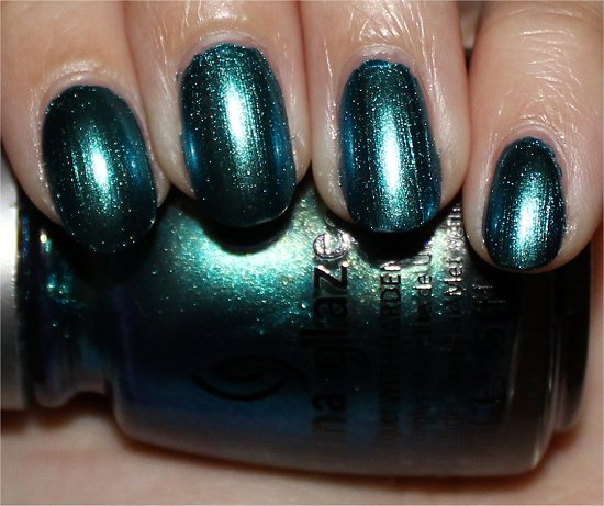China-Glaze-Deviantly-Daring-Swatch-Review