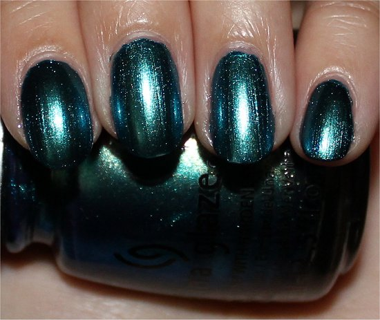 China-Glaze-Deviantly-Daring