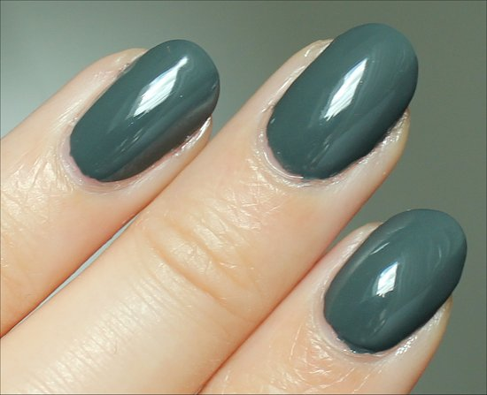 Zoya-Evvie-Review-Swatch