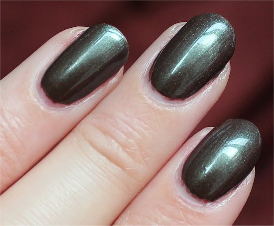 Downtown-Brown-Maybelline-Swatches-Review-Nail-Polish
