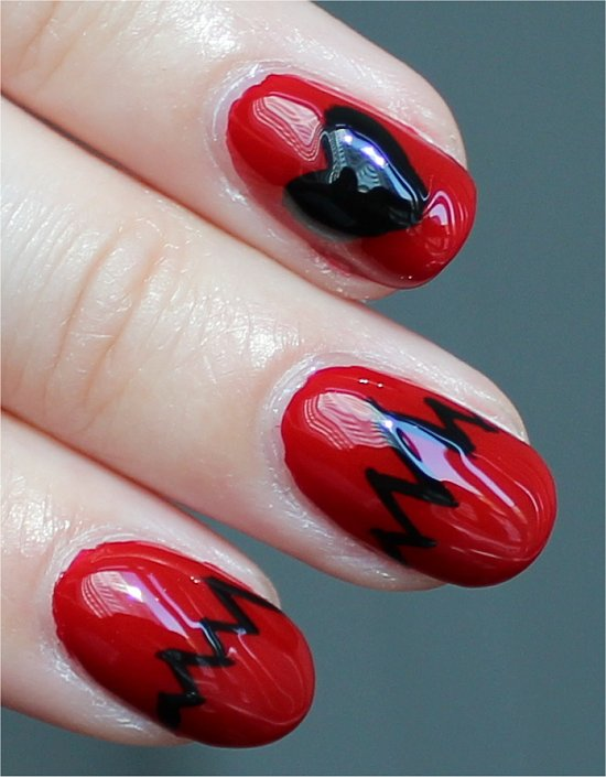 Heartbeat-Nails-Nail-Art