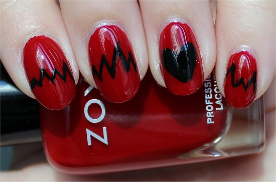 Nail Art Heartbeat Nails