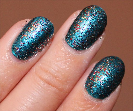 Kardashian-Kolor-Holiday-Nicole-by-OPI-Kardashing-through-the-Snow-Swatch