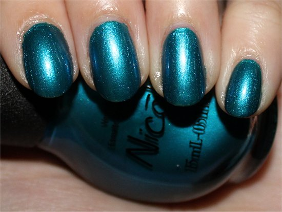 Nicole-by-OPI-Deck-the-Dolls-Swatch-Review-Pictures