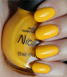 Nicole-by-OPI-Hit-the-Lights-Swatches-Review