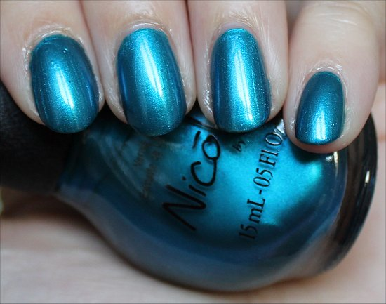 Nicole-by-OPI-Kardashian-Kolors-Deck-the-Dolls-Swatch