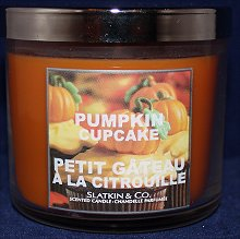 Bath & Body Works Slatkin & Co. Pumpkin Cupcake Candle Review & Photos