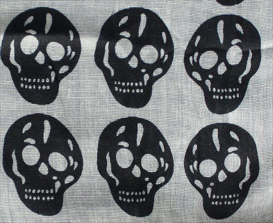 Black Skull Scarf Garage.ca