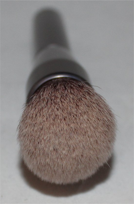 Urban Decay Foundation Brush Review & Pictures