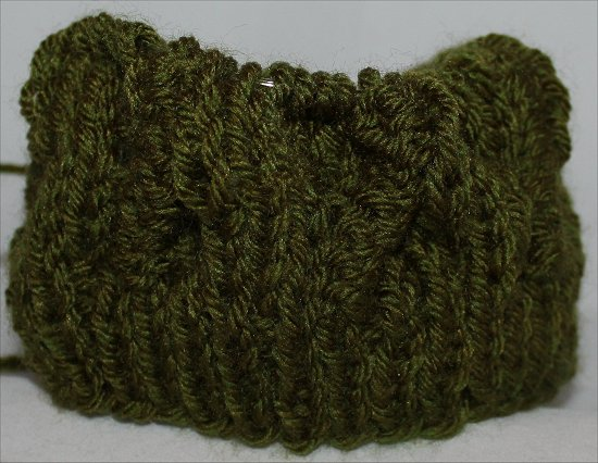 Knitting a Green Beret