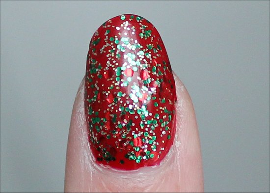 Red & Green Nails Christmas Manicure