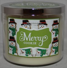 Bath & Body Works Merry Cookie Candle Review & Pictures