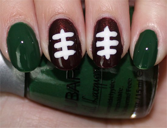 Football Nails Nail-Art Tutorial & Pictures
