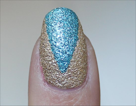 Liquid Sand by OPI Bond Girls Nailart