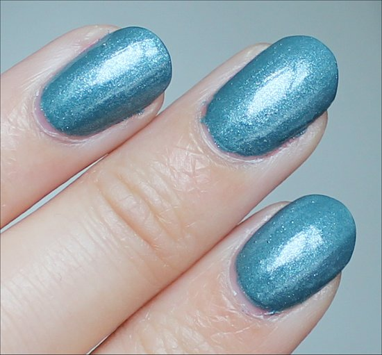 CND Vinylux Daring Escape Review & Swatch