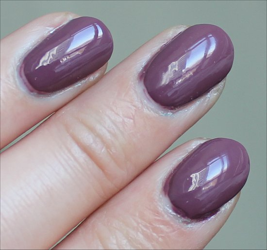 CND Vinylux Married to the Mauve Swatch