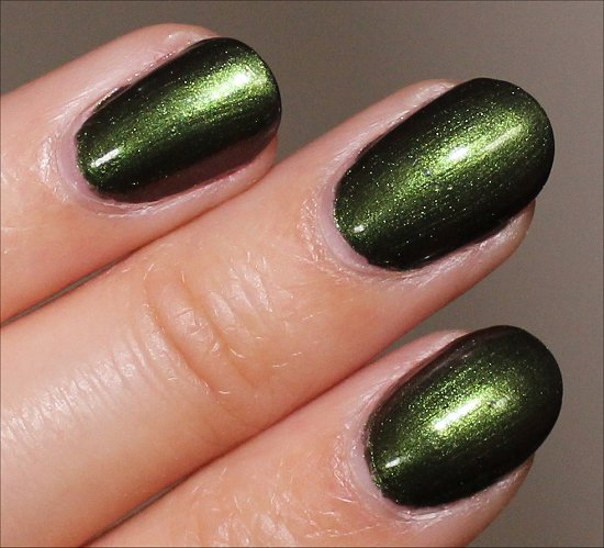 OPI Green on the Runway Swatch OPI Coca-Cola Swatches