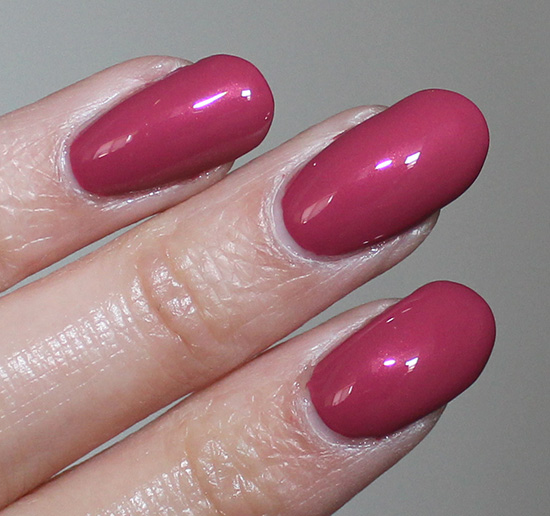 INGLOT-O2M-Breathable-Nail-Polish-Review-&-Swatches