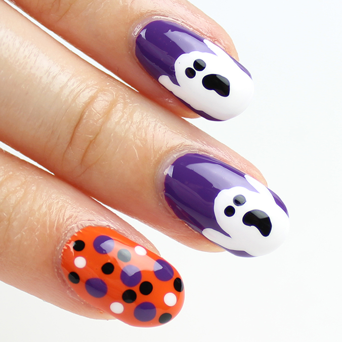 Halloween Ghost Nail Art