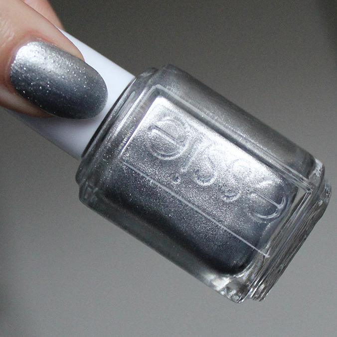 Essie Apres-Chic Swatches Swatch Review