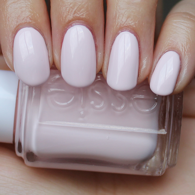 Essie Nail Color Peak Show - To Bend Light
