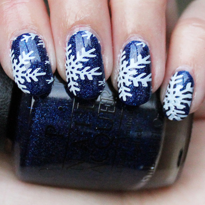 MoYou London Nail Art Festive Snowflakes Nails