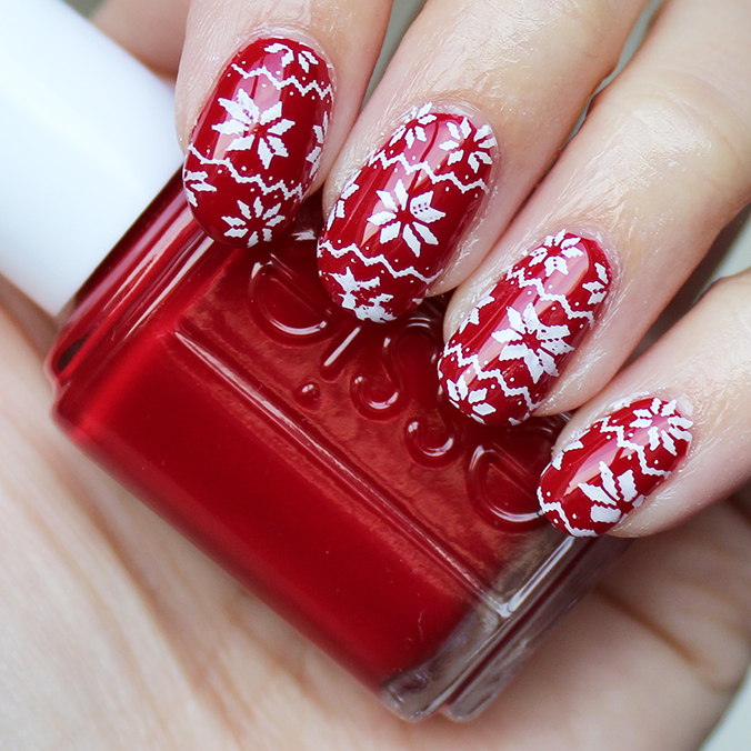 MoYou Nails Ugly Christmas Sweater Nails
