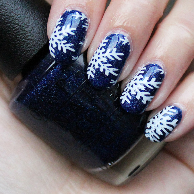 Snowflake Winter Nail Art