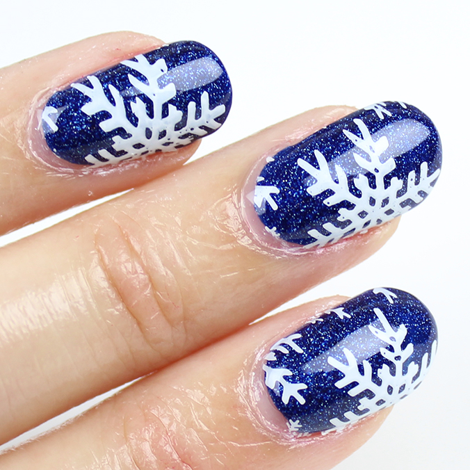 Winter Nail Art Snowflake Nails